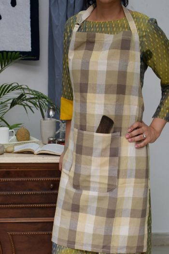 Checks Cotton Apron, Beige