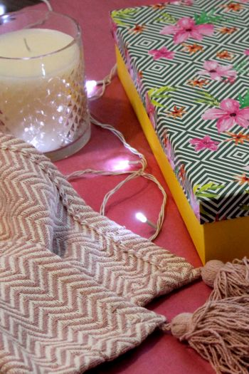 Chevron Cotton Throw Gift Set