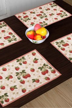 Strawberry Farm Set of 4 Table Mats, Red & White